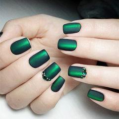 方圆形绿色猫眼钻磨砂美甲图片