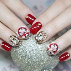 方圆形红色白色钻雕花小猪新年美甲图片