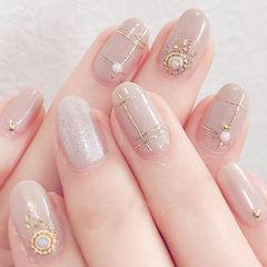 圆形裸色线条金属饰品珍珠美甲图片