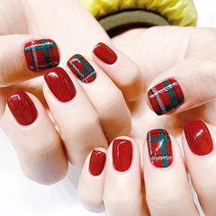 方圆形红色绿色格纹美甲图片