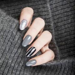 圆形黑色灰色银色条纹美甲图片
