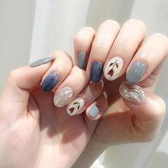 圆形蓝色灰色银色手绘花朵水波纹美甲图片