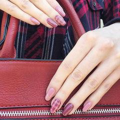 圆形粉色玫红色手绘格纹美甲图片