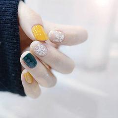 方圆形绿色黄色雪花美甲图片