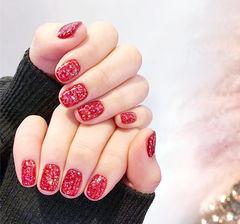 方圆形红色纯色新年显白美甲图片
