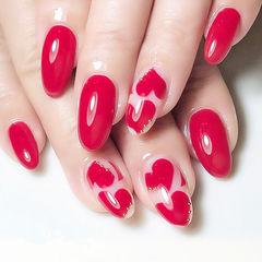 圆形红色手绘心形美甲图片