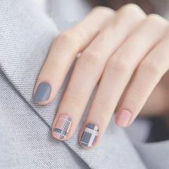 圆形粉色灰色格纹美甲图片