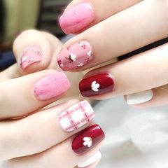 方圆形红色粉色手绘格纹花朵新年美甲图片