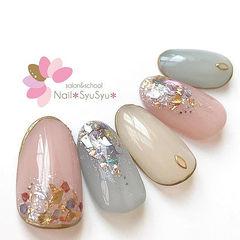 圆形粉色蓝色贝壳片日式美甲图片