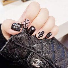 方圆形黑色网纹克罗心韩式美甲图片
