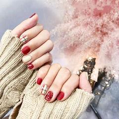 方圆形红色白色格纹磨砂美甲图片