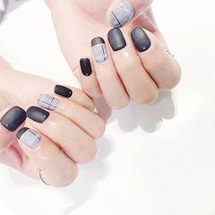 方圆形黑色灰色线条平法式磨砂皮草胶美甲图片