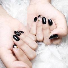 圆形黑色法式金属饰品简约美甲图片