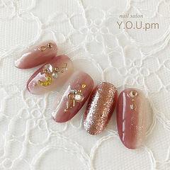 圆形粉色金色竖形渐变钻金属饰品美甲图片