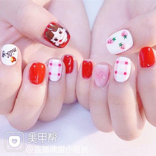 方圆形红色粉色手绘可爱卡通格纹草莓美甲图片