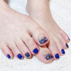 脚部蓝色渐变金属饰品显白美甲图片