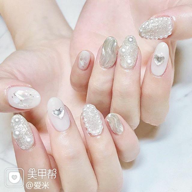 圆形银色白色钻珍珠水波纹美甲图片
