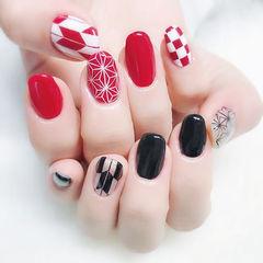 圆形红色黑色手绘格纹美甲图片