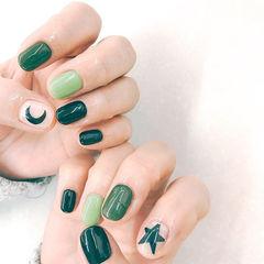 方圆形绿色手绘星星月亮美甲图片