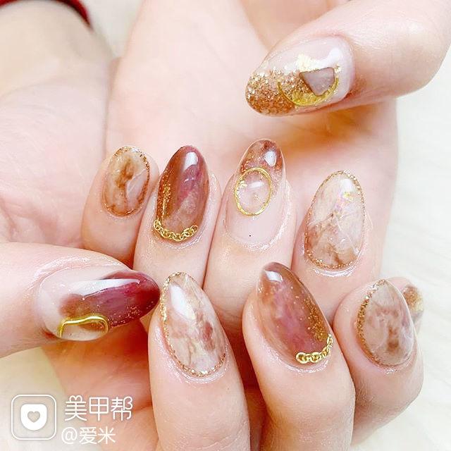 圆形棕色晕染金属饰品日式美甲图片