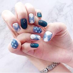 圆形蓝色菱形珍珠磨砂美甲图片
