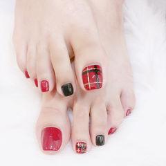 脚部黑色红色格纹美甲图片