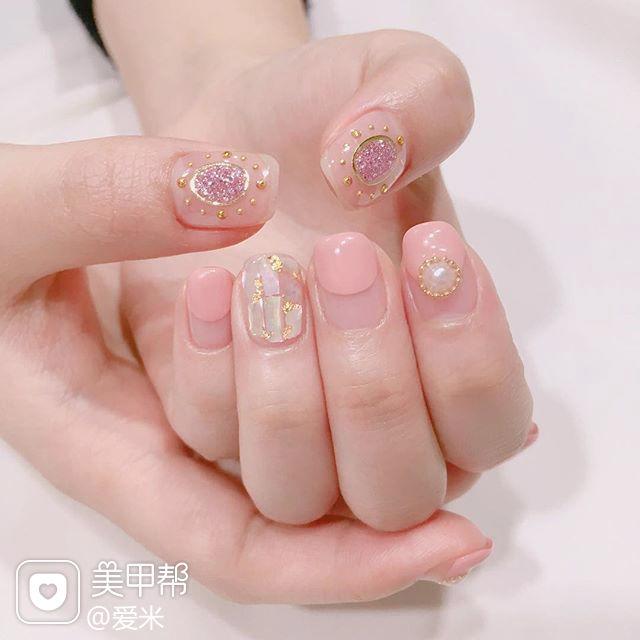 方圆形粉色圆法式贝壳片珍珠金箔美甲图片
