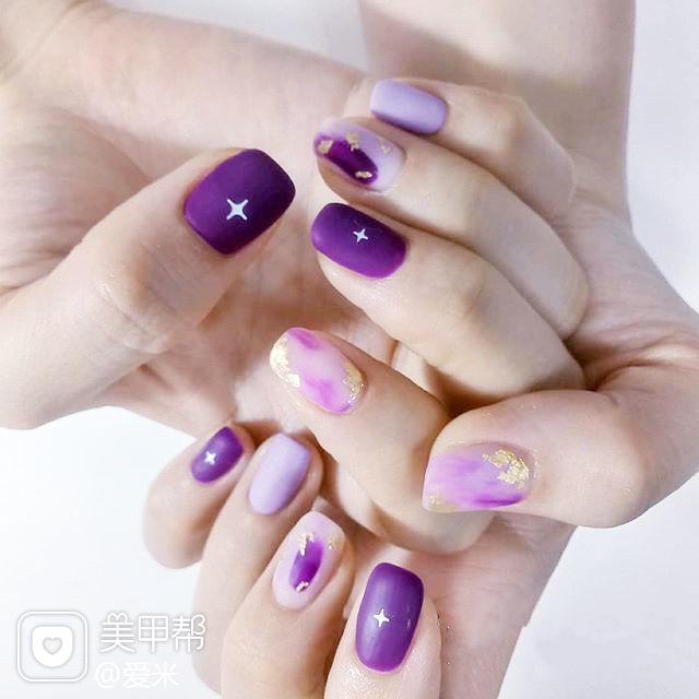 方圆形紫色晕染磨砂金箔美甲图片