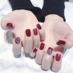 方圆形红色手绘毛呢新年美甲图片