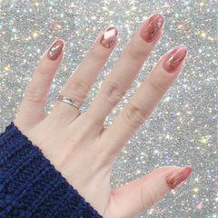 圆形粉色棕色晕染宝石日式金箔新年美甲图片