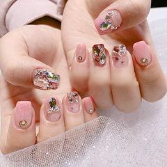 方圆形粉色钻美甲图片