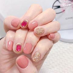 圆形粉色金色钻美甲图片