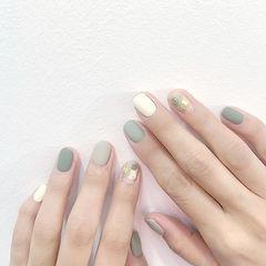 圆形绿色裸色晕染磨砂美甲图片