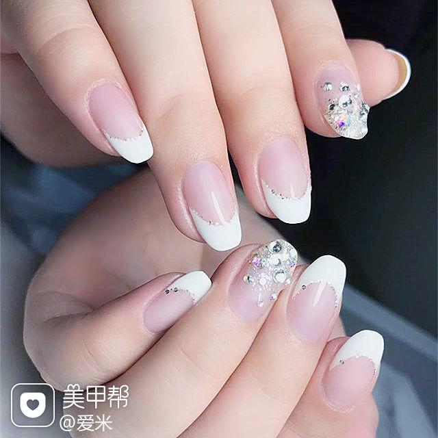 圆形白色法式钻新娘美甲图片