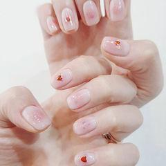 方圆形粉色腮红甲亮片美甲图片