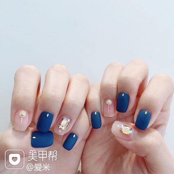 方圆形蓝色裸色钻磨砂美甲图片
