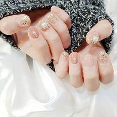圆形粉色裸色珍珠短指甲美甲图片
