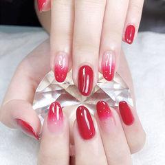 圆形红色渐变金箔新娘美甲图片