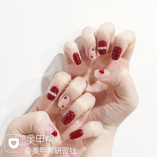 方圆形红色裸色珍珠亮片美甲图片