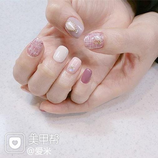 方圆形粉色裸色手绘毛呢珍珠跳色美甲图片