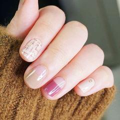 方圆形粉色裸色手绘毛呢反法式美甲图片
