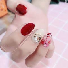 圆形红色白色钻贝壳片新娘美甲图片