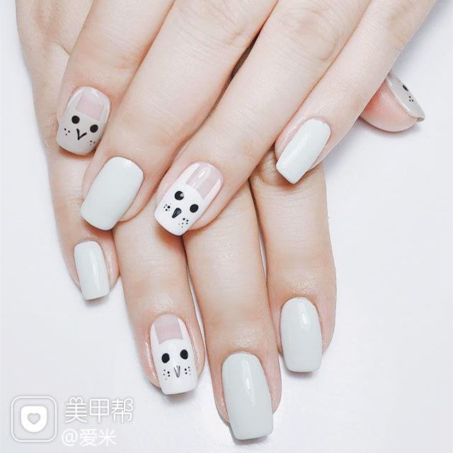 方圆形灰色白色手绘兔子可爱美甲图片