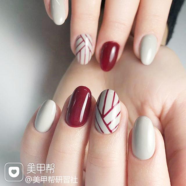 圆形红色白色线条美甲图片