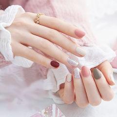 圆形粉色灰色白色红色跳色磨砂美甲图片