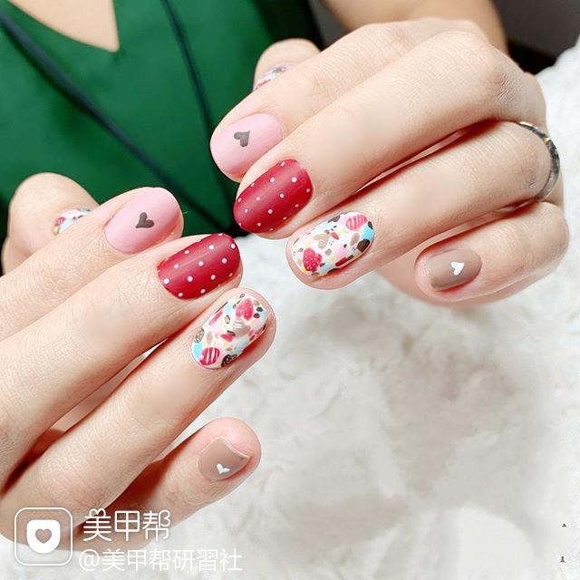 圆形红色粉色波点心形手绘磨砂跳色美甲图片