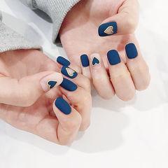 方圆形蓝色心形镂空磨砂美甲图片