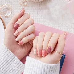 圆形粉色裸色格纹美甲图片