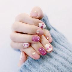 圆形粉色白色菱形珍珠磨砂短指甲美甲图片