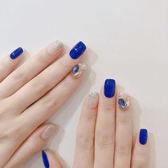 方圆形蓝色银色钻美甲图片